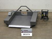Photo of Material Handling Pallet Lift